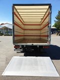 IVECO Daily box truck with tailgate._7