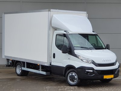 IVECO Daily box truck with tailgate.